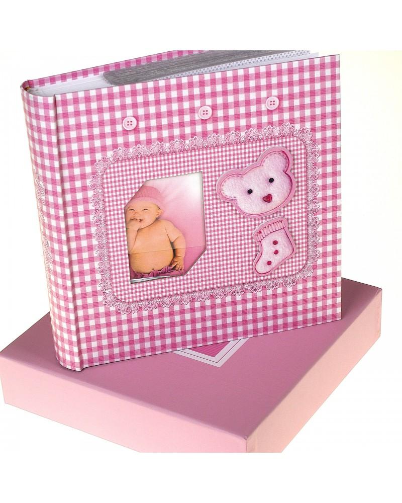 Różowyalbum na zdjęcia dziecięce 10x15 na 200 zdjęć w pudełku z miejscem na opis BABY11